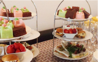 High Tea Compleet