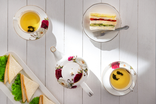 High tea traditioneel